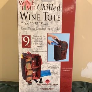 NWOT Wine Time Chilled Wine Tote - 9 pcs